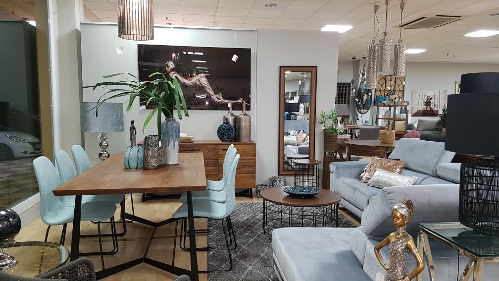 Tienda de muebles en fuengirola great salones with tienda for Muebles de tailandia